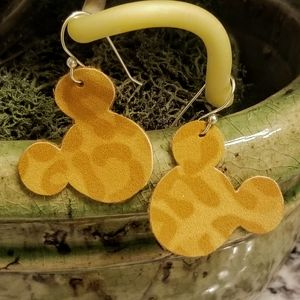 ADORABLE Suede leopard print Mickey head earrings!